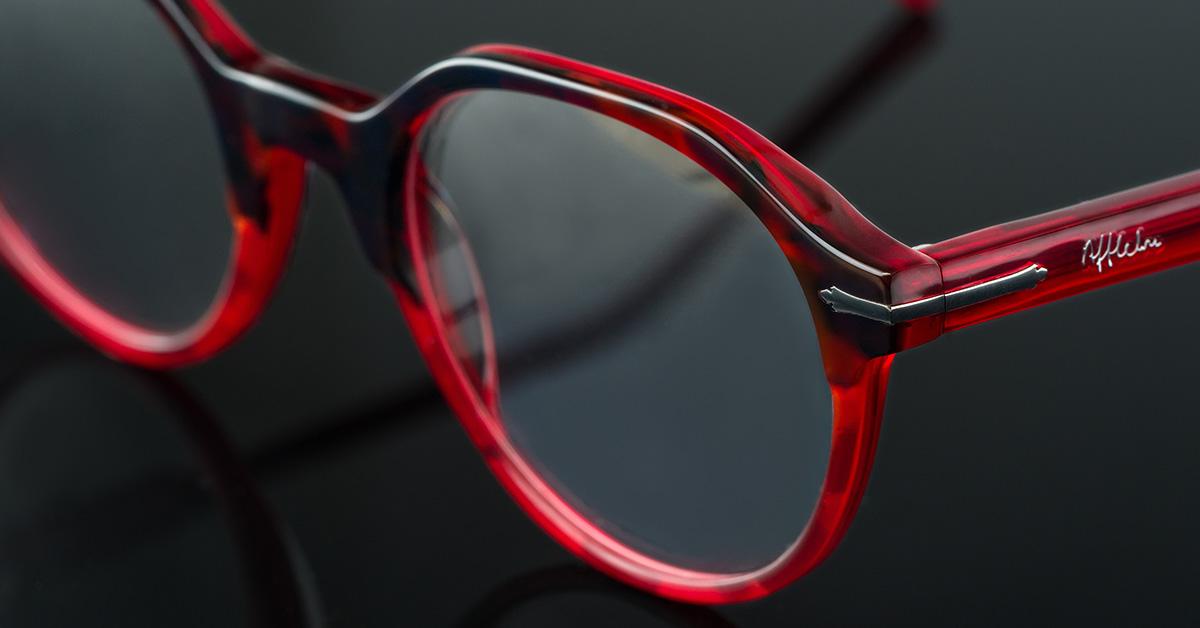 En qué fijarse al regalar unas gafas por Navidad - Voilà by Afflelou – Blog  de oftalmología de Alain Afflelou 80f59e812ad2