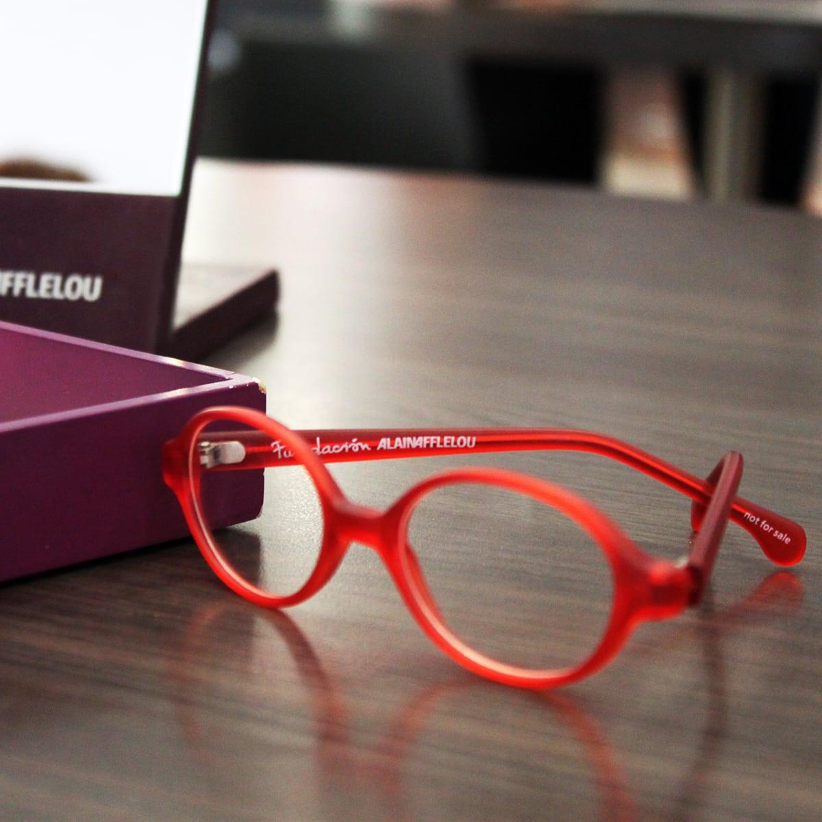 5f9aaf9a60 Además de esto, hay que conseguir que las monturas les resulten cómodas  durante el uso. Unas gafas que sean demasiado rígidas o que se caigan  fácilmente, ...