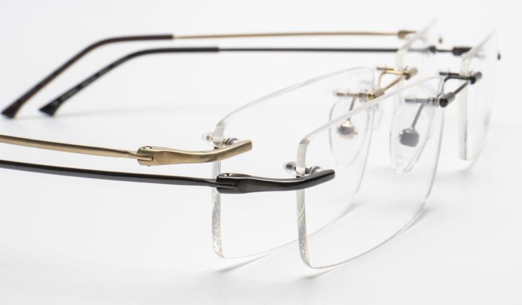 c91a712ca7 Estas gafas son las gafas del futuro, y unas gafas para toda la vida. La  opción ideal para los hombres modernos que buscan un estilo elegante, ...