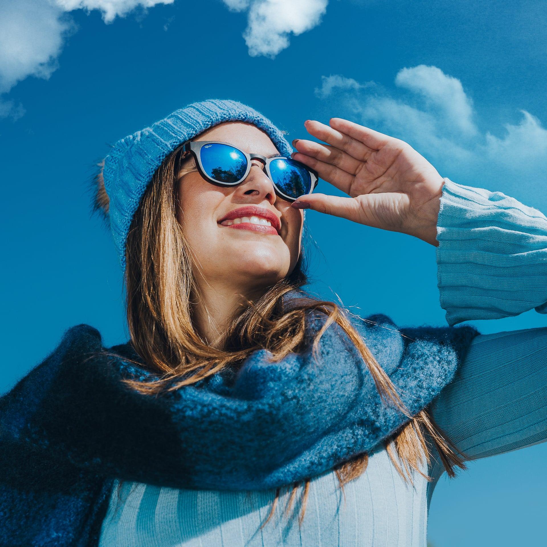 2dccb2673e ¿Cómo debes elegir unas gafas de sol para la nieve? - Voilà by Afflelou –  Blog de oftalmología de Alain Afflelou