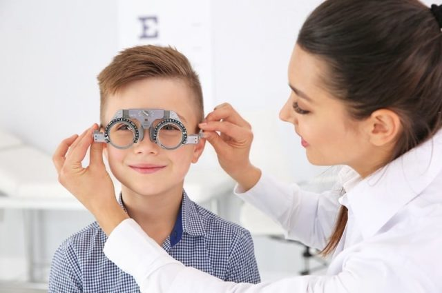 ¿Cada cuánto tiempo debemos hacer una revisión visual a nuestros hijos?