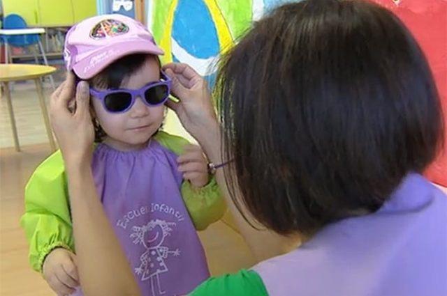 La exposición solar recibida antes de los 5 años es un factor de riesgo para desarrollar enfermedades oculares