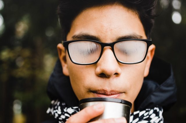 ¿Cómo evitar las gafas empañadas?