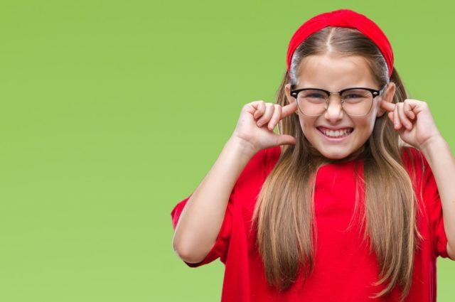 Consejos para proteger los oídos de niños y adolescentes
