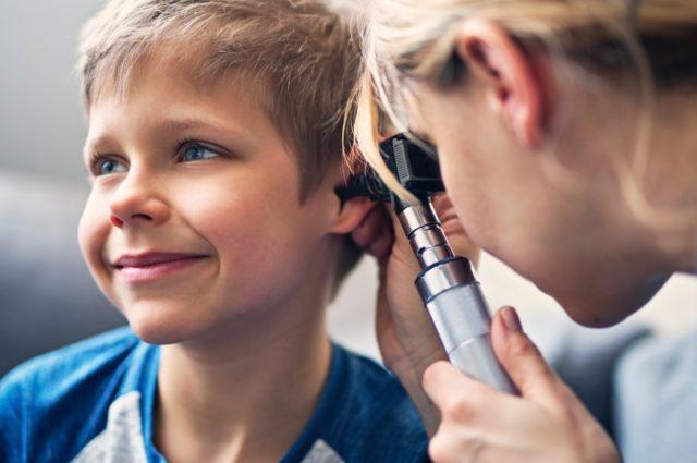 Cómo detectar los problemas de audición en niños